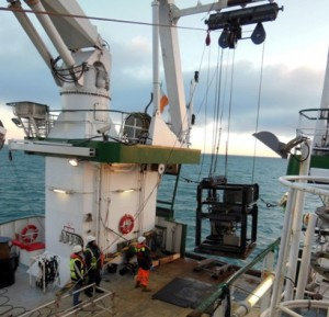 The crew deploying the 8 tonne GOST sub-seabed property testing rig.